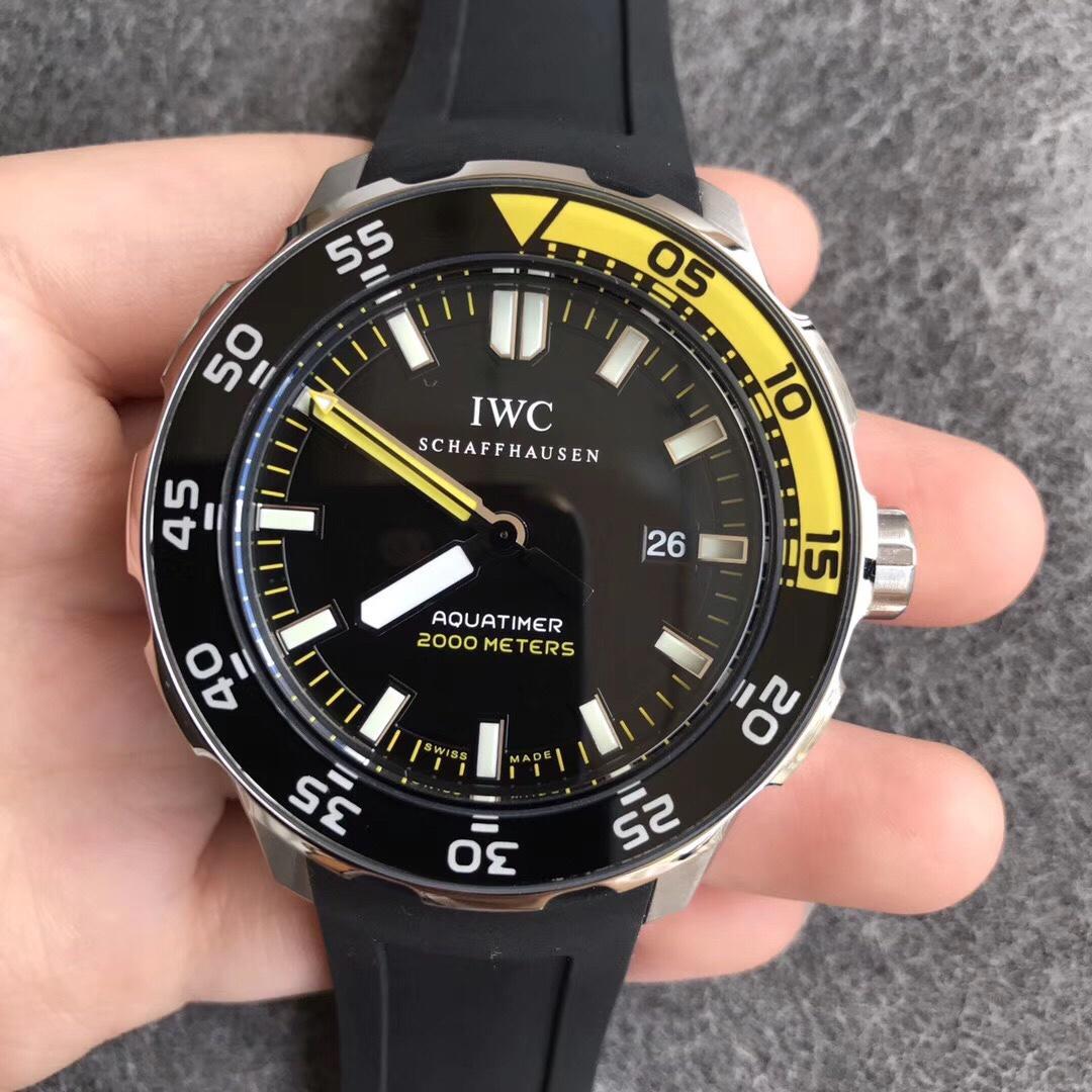 万国海洋时计系列潜水表超强夜光W356802复刻表