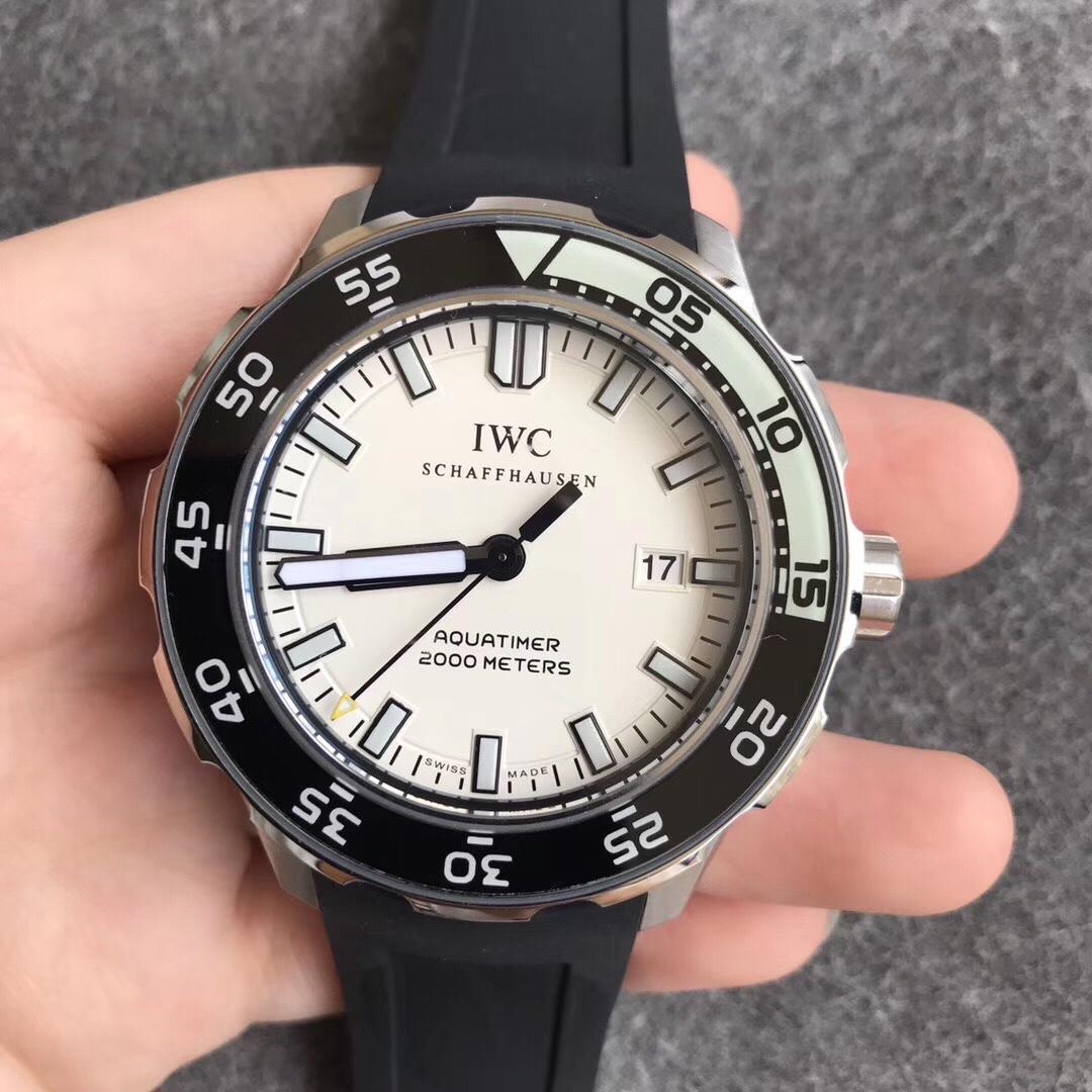 万国海洋时计系列潜水表超强夜光IW356811复刻表