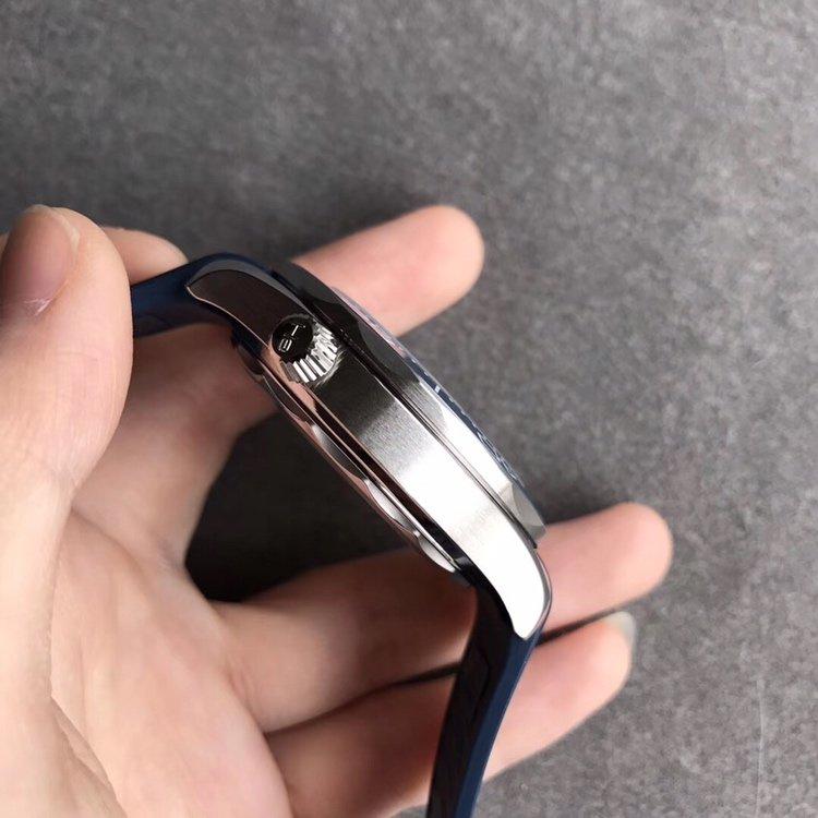 VS欧米茄海马300M复刻表真陶瓷橡胶表带 多种颜色
