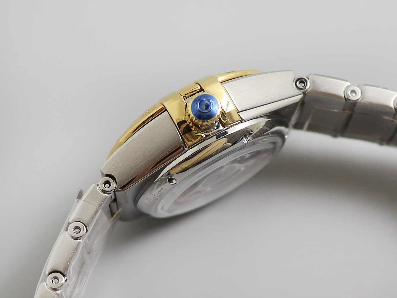 欧米茄星座女表机械系列珍珠母贝面复刻表