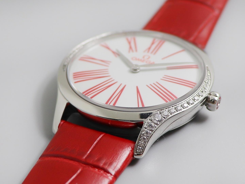 欧米茄蝶飞名典系列女表复刻表石英镶钻时尚款式